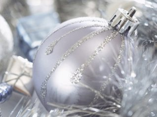 Christmas Ball wallpapers for blackberry torch