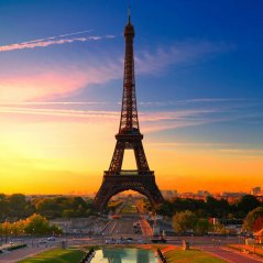 <b>Eiffel Tower At Sunrise</b>