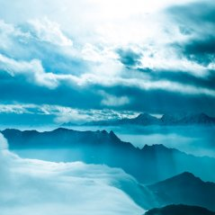 cloudy mountain blackberry Q10 wallpaper