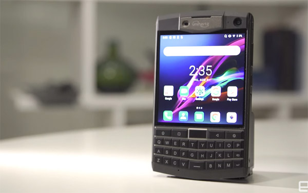 Unihertz Titan Hands-On: Not just a BlackBerry knockoff